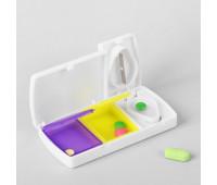 Таблетница-контейнер 2 секции + делитель